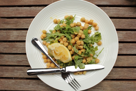 tinned chickpea salad